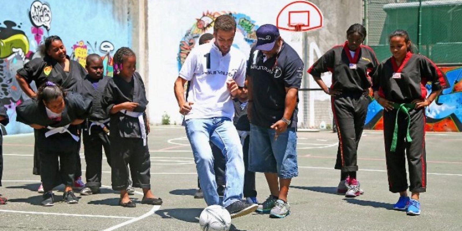 Raúl González Blanco colgará las botas al terminar la temporada con el Cosmos. Foto:AFP