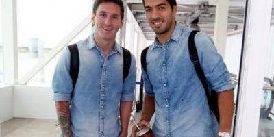 """Suárez envía a Messi un regalo con """"mensaje subliminal"""""""
