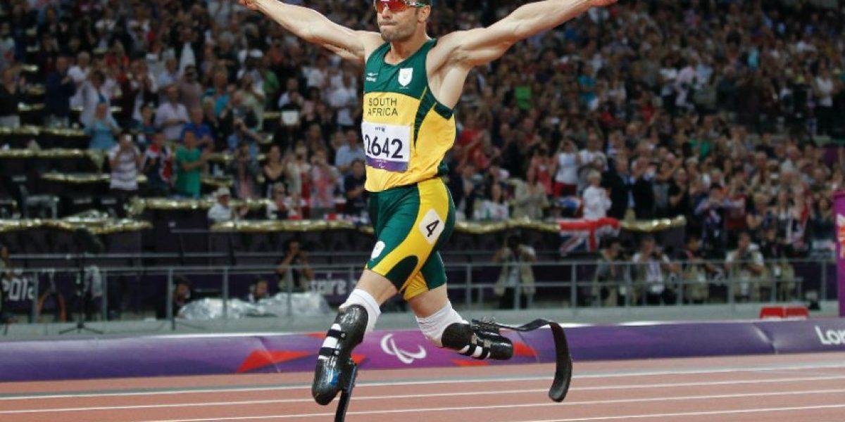 Atleta paralímpico Oscar Pistorius dejará la cárcel