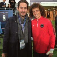 Acá con el futbolista brasileño David Luiz. Foto:instagram.com/kevin