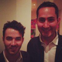 A la izquierda el músico estadounidense Kevin Jonas. Foto:instagram.com/kevin
