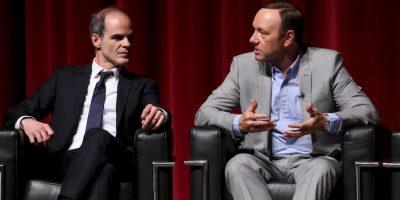 Casualmente el actor en la serie apoya a un político demócrata y en la vida real también. Foto:Getty Images