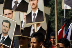 En Siria, simpatizantes del gobierno de Bashar Al-Assad se manifestaron en la embajada de Rusia en Damasco Foto:AFP