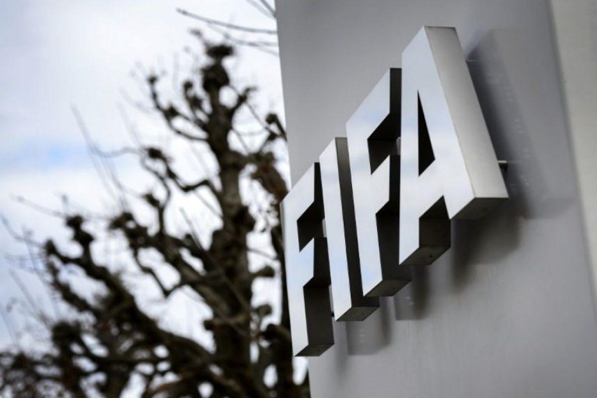 Los presidentes de la FIFA y de la UEFA siguen envueltos en la polémica. Foto:AFP