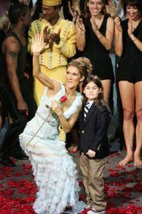 Cuando era un pequeño, solía acompañar a sus padres en premiaciones y alfombras rojas. Foto:Getty Images