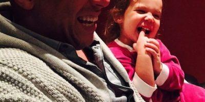 Vin Diesel interrumpe entrevista para atender la llamada de una mujer