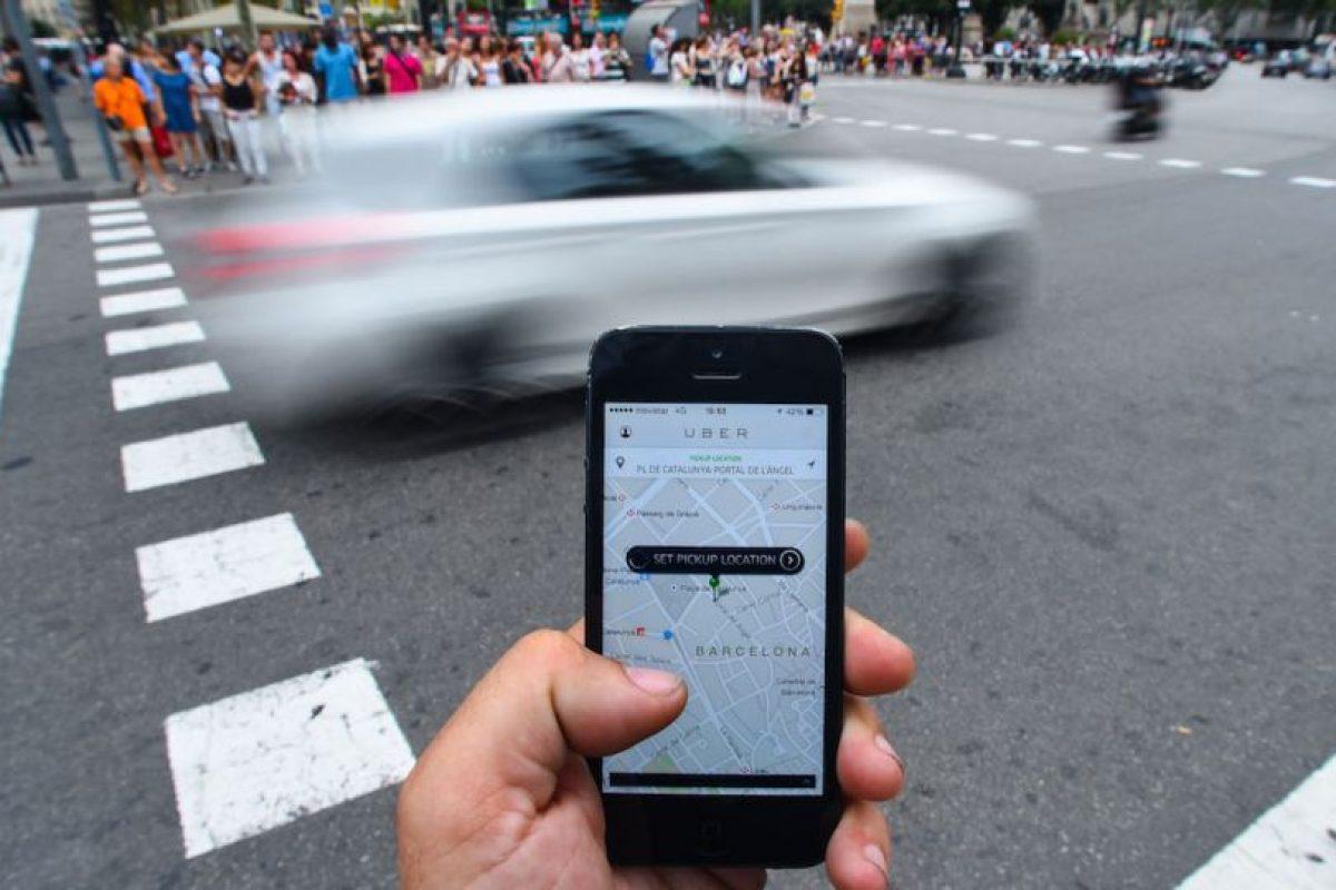 No deben cambiar el destino del viaje con la finalidad de cobrar más debido a que puede llegar a ser considerado como fraude. Si notan algo parecido, reporten a Uber. Foto:Getty Images