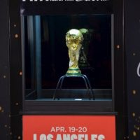 """""""La FIFA necesita una reforma integral y urgente, que sólo se puede lograr a través de un enfoque verdaderamente independiente"""", expresaron ambas marcas. Foto:Getty Images"""