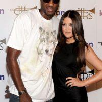 Después de casarse Khloé Kardashian se convirtió Khloé Kardashian Odom, y la pareja se tatuó las iniciales del otro en sus manos (LO&KO). Foto:Getty Images