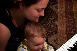 Y sigue componiendo. Foto:vía Amy Lee/Facebook