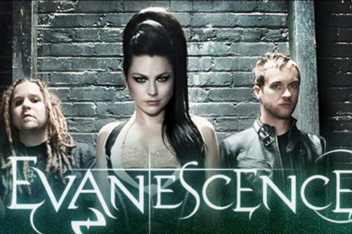 Aún sigue con ella. Foto:vía Evanescence/Facebook