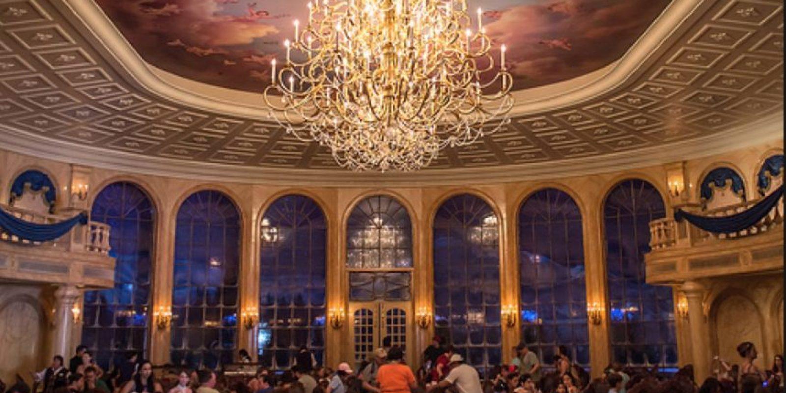 Además de ser dueña de parque temáticos en el mundo. Foto:Vía disneyworldcouple.com