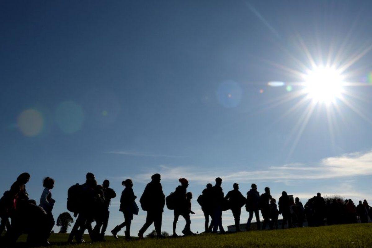 Migrantes en la frontera de Austria y Alemania. Foto:AFP