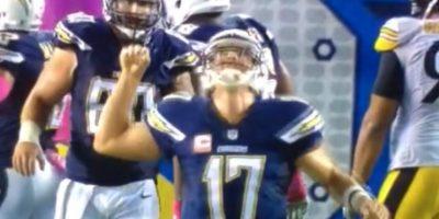 3. No, este jugador de americano no golpeó fuertemente a un pájaro Foto:Vine