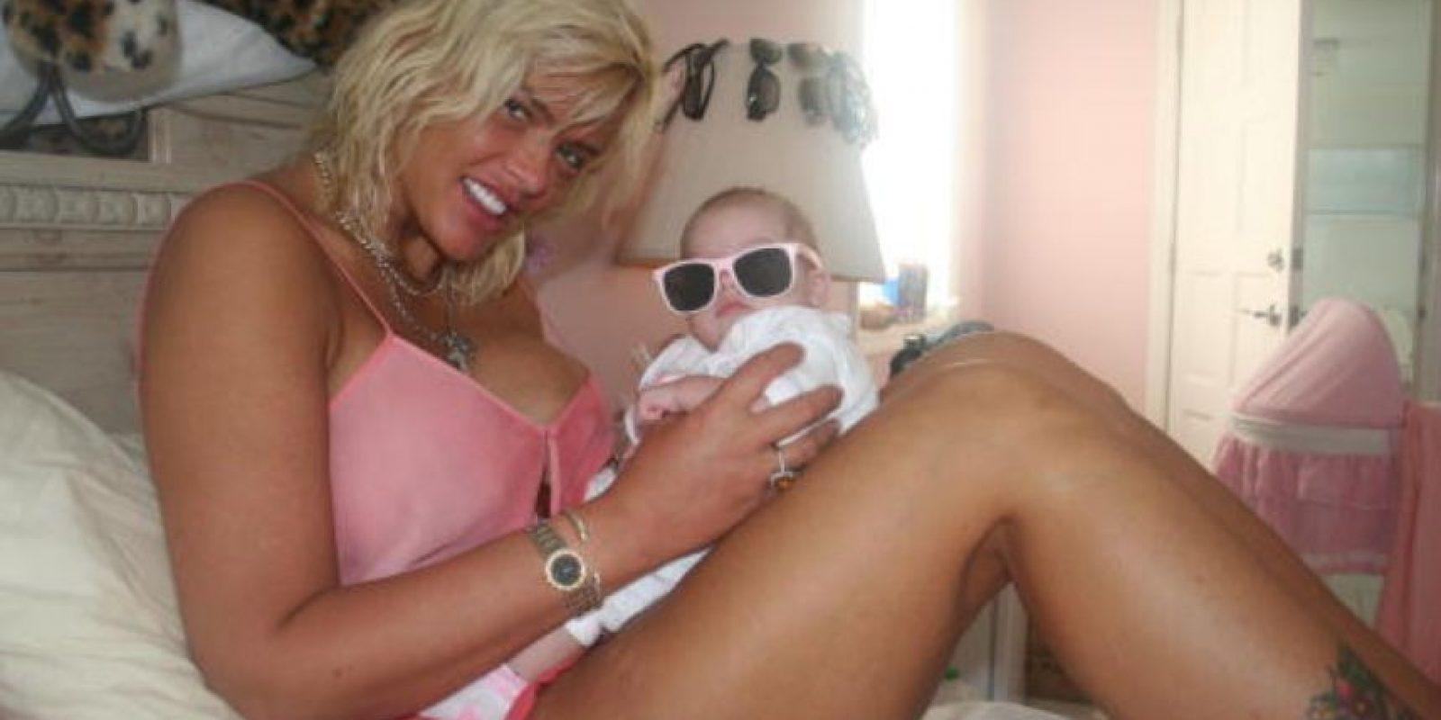 Anna Nicole Smith murió en 2007 y dejó a su hija de un año, Dannielynn. Foto:vía Getty Images