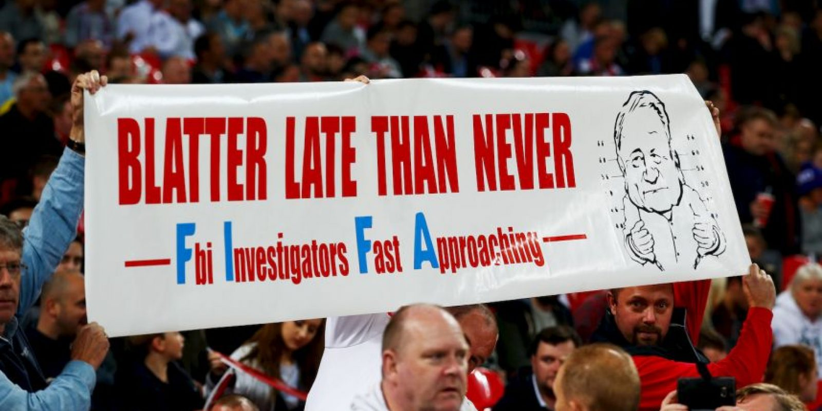El mandamás de la FIFA está siendo investigado por diversos casos de corrupción que se han ido destapado paulatinamente este 2015. Foto:Getty Images