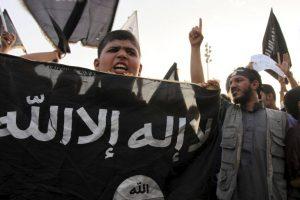 El Departamento de Defensa asegura que el joven le entregó la información a distintos militantes de ISIS. Foto:AP