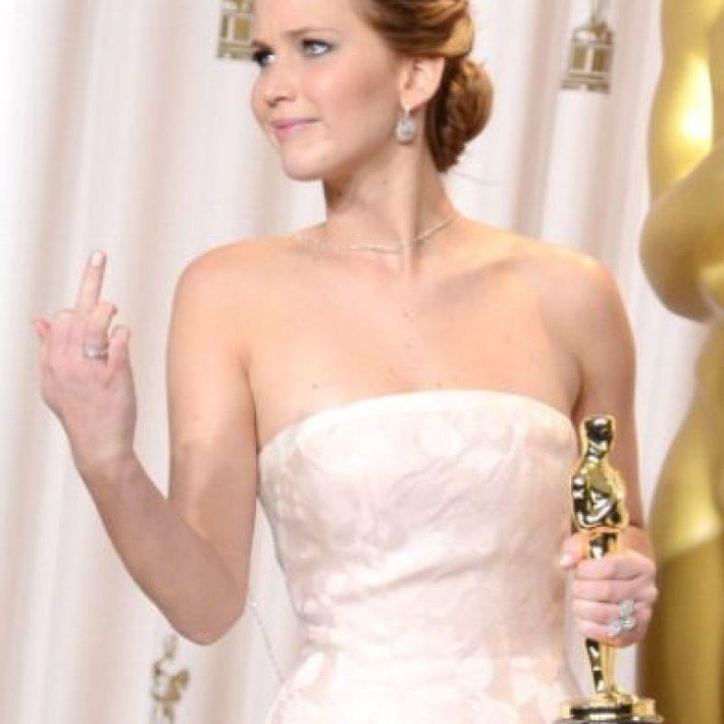 Jennifer Lawrence le confesó a Seth Myers que jamás había estado en una fiesta después de los Globos de Oro y los Óscar. Foto:vía Getty Images