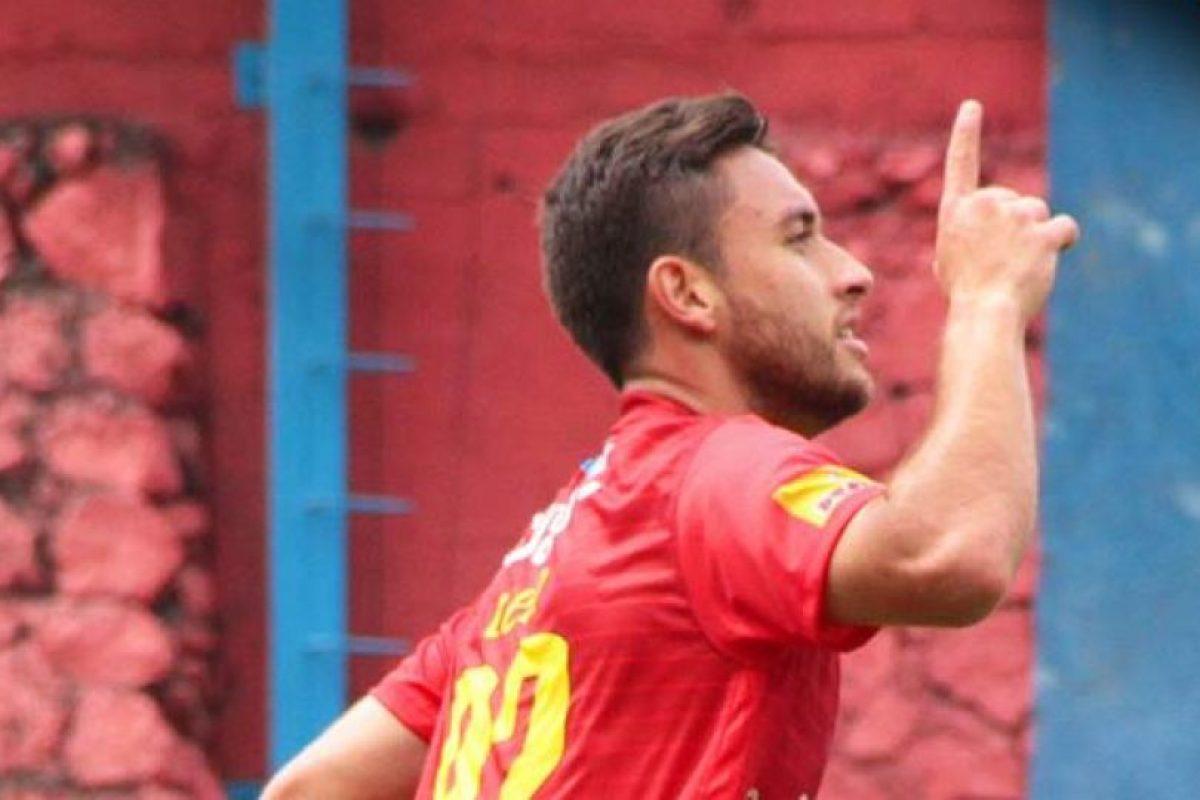 Municipal volvió a beneficiarse del talento de Henry López Foto:Xelajú MC, Comunicaciones FC y rojos.com