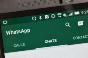 WhatsApp guarda automáticamente sus chats cada 24 horas, así que si por error eliminaron su cuenta, cuando inicien sesión, el sistema les dirá si quieren recuperar los mensajes. Para hacer copias de seguridad continuas deben ir al menú Ajustes -> Ajustes de chat y dar clic en Guardar chats. Foto:Pinterest