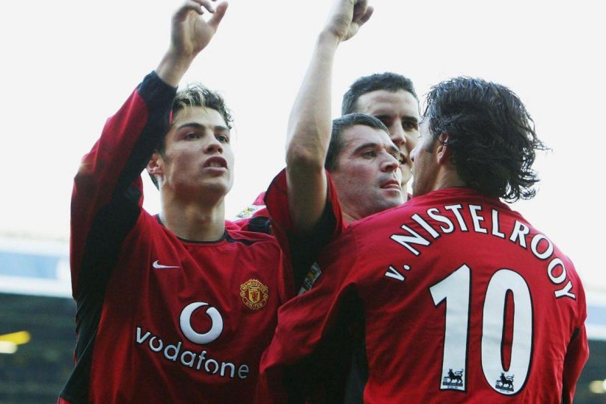 Con ellos ganó tres Premier League, 1 FA Cup, dos Capital One Cup y 2 Community Shield. Foto:Getty Images