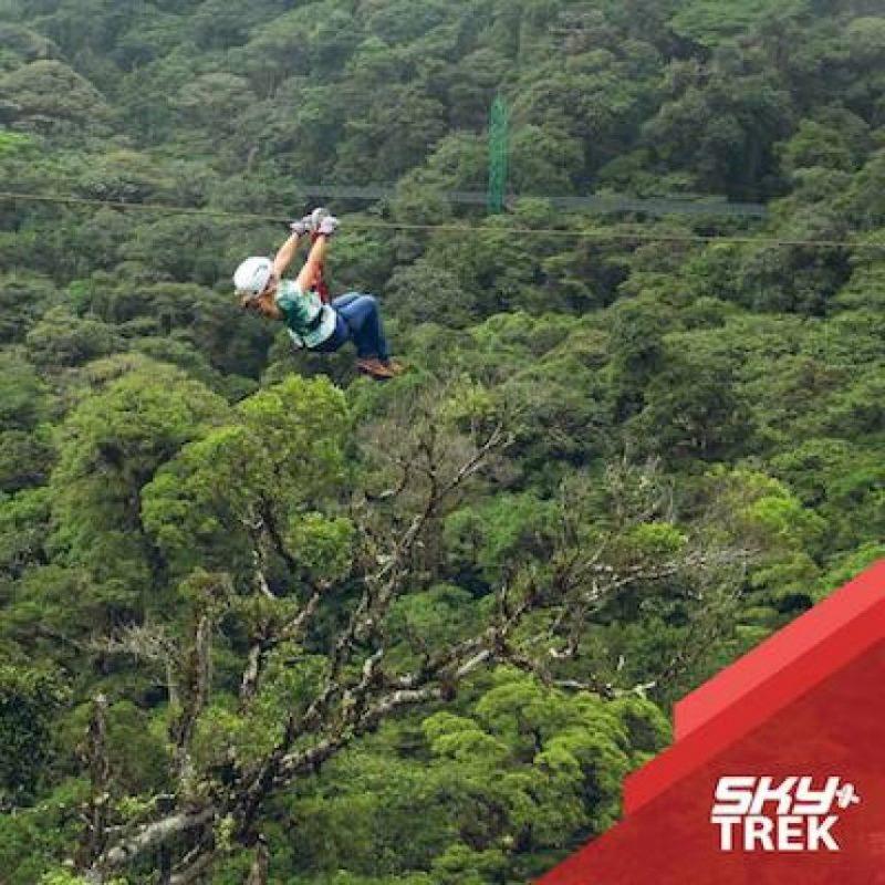 Esta cerca del Volcán Arenal, uno de los más activos de la región Foto:facebook.com/SkyAdventuresCR
