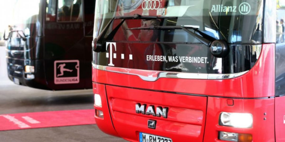 ¿Mal augurio? Autobús del Bayern Múnich choca antes del partido de Champions