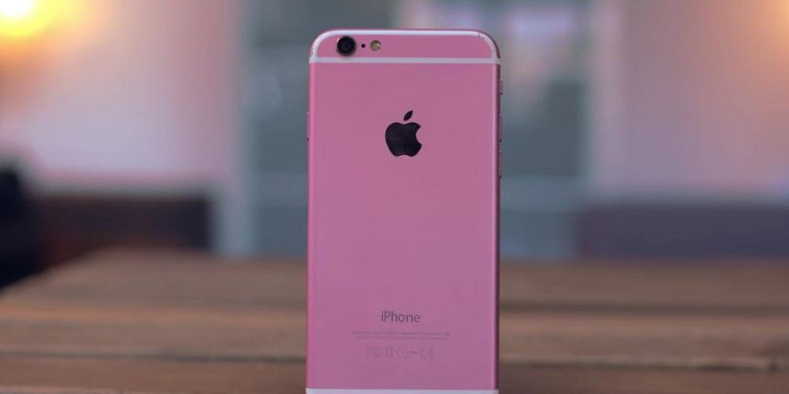 """El color rosa es más fuerte y le falta la letra """"S"""" distintiva del modelo.. Foto:Jonathan Morrison / YouTube"""