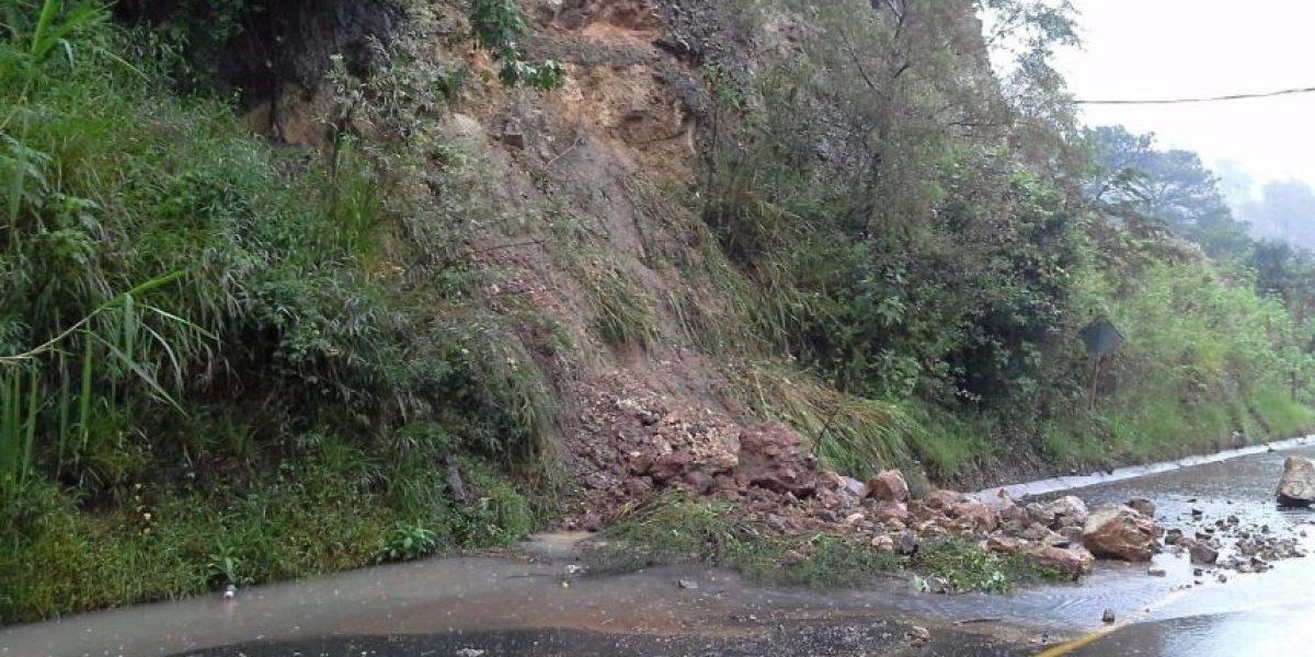 Alerta por derrumbes e inundaciones en el 72% del país