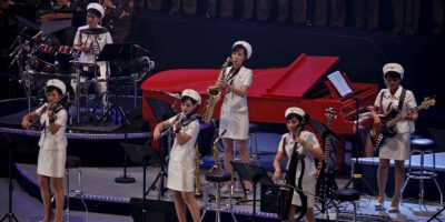 Kim Jong-un y su esposa reaparecen juntos en concierto de pop