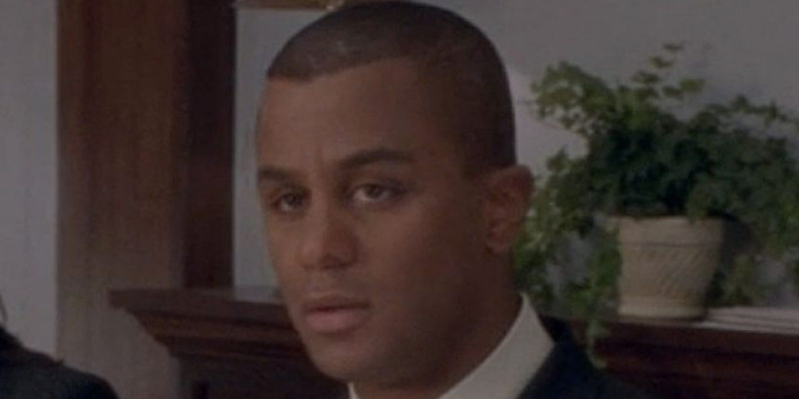 "Yanic Truesdale era ""Michel Gerard"". Foto:vía The CW"