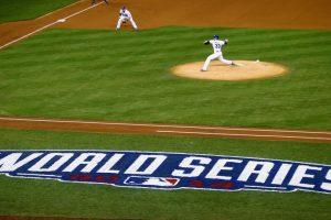 """El """"pequeño"""" error es que el """"Clásico de Otoño"""" no comienza sino hasta el día 27 de este mes y terminaría, si se van a 7 juegos, hasta el 4 de noviembre. Foto:Getty Images"""