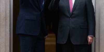"""Este fue el mal chiste de David Cameron sobre """"Volver al Futuro"""""""