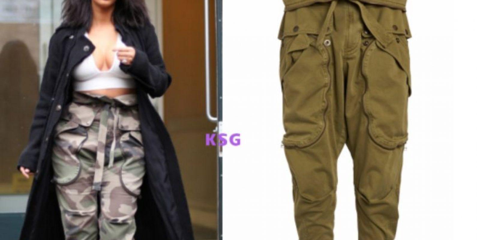 Pantalones cargo de Faith Connection. ¿Ya ven por qué esta moda no sobrevivió más allá de 2002? Foto:KimStyleGuide/Tumblr