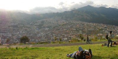 El mejor lugar para apreciar la vista de la ciudad y las luces brillando a lo lejos es el mirador Itchimbia que se encuentra en las colinas de la ciudad. Foto:Vía Flickr