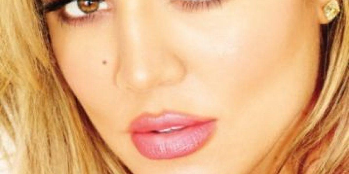 Fotos: Khloé Kardashian se quitó la ropa para la portada de su nuevo libro