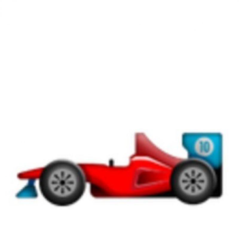 Ferrari rojo. Foto:vía emojipedia.org