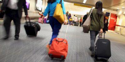 """2. Mientras, Airfrance aconseja viajar con ropa cómoda y utilizar medias de compresión """"para facilitar la circulación sanguínea"""". Foto:Getty Images"""