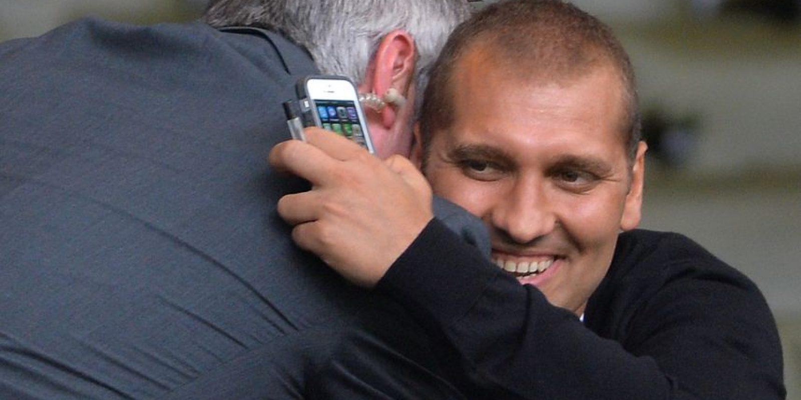 En marzo de 2012, el entonces capitán del Aston Villa sufrió una fiebre que lo envió al hospital y el diagnóstico fue leucemia aguda. Entonces, se retiró del fútbol para luchar por su vida. Tras dos años de una recuperación muy difícil, superó la enfermedad y volvió a jugar aunque en una liga semiprofesional de Inglaterra. Foto:Getty Images