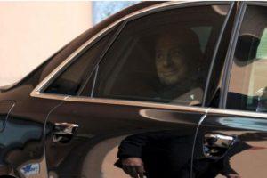 En 2009, el ahora ex presidente del Consejo de Ministros de Italia, se vio envuelto en la polémica cuando medios internacionales publicaron fotos de su fiesta de cumpleaños en la que aparece junto a una joven de 18 años. Foto: Getty Images