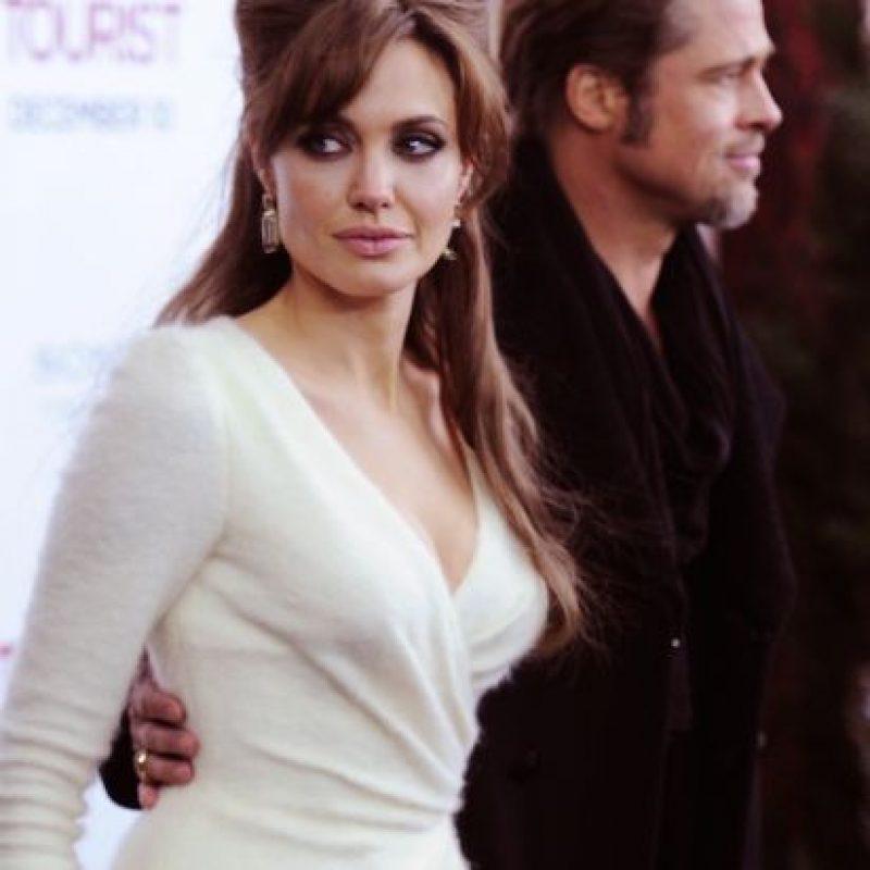 """Una prenda muy similar al vestido que lució Angelina Jolie en el estreno de la película """"The Tourist"""". Foto:Getty Images"""
