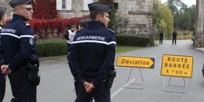El primer ministro Manuel Valls y el ministro del Interior, Bernard Cazene, se desplazaron al lugar. Desde Grecia, el presidente Francois Hollande expresó sus condolencias por la tragedia. Foto:AP