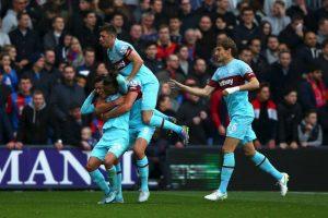 PREMIER LEAGUE: West Ham (4) vs. Chelsea (12) en Boleyn Ground Foto:Getty Images