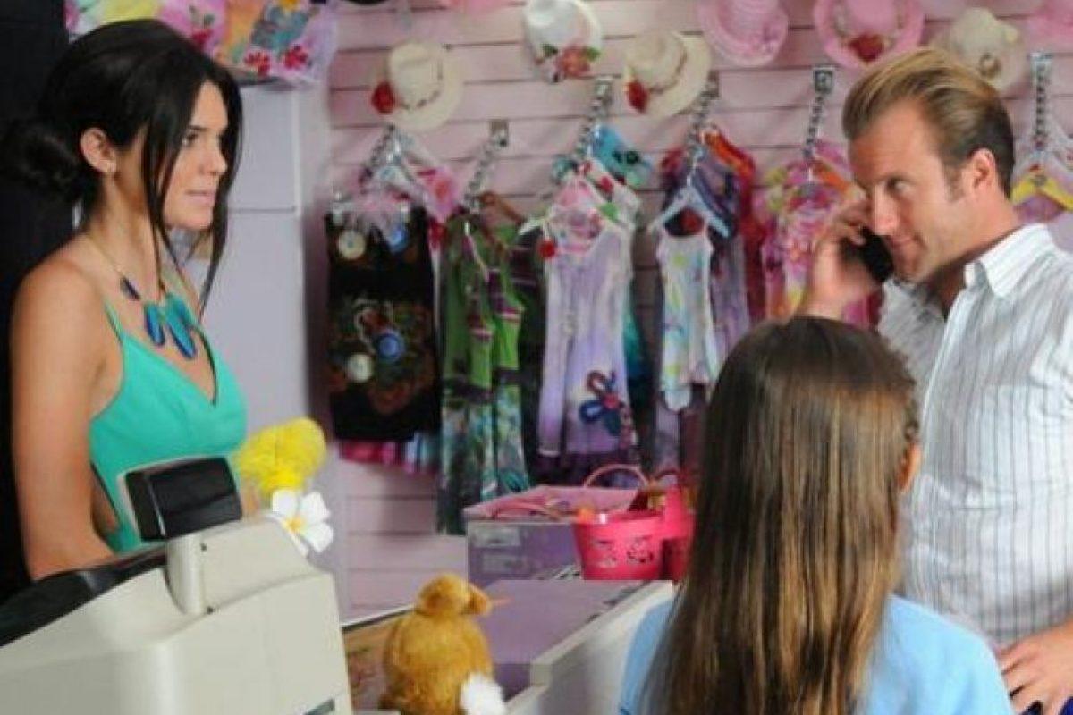 """En 2012, Kendall Jenner realizó una breve aparición en la serie """"Hawaii Five-0"""" Foto:CBS"""