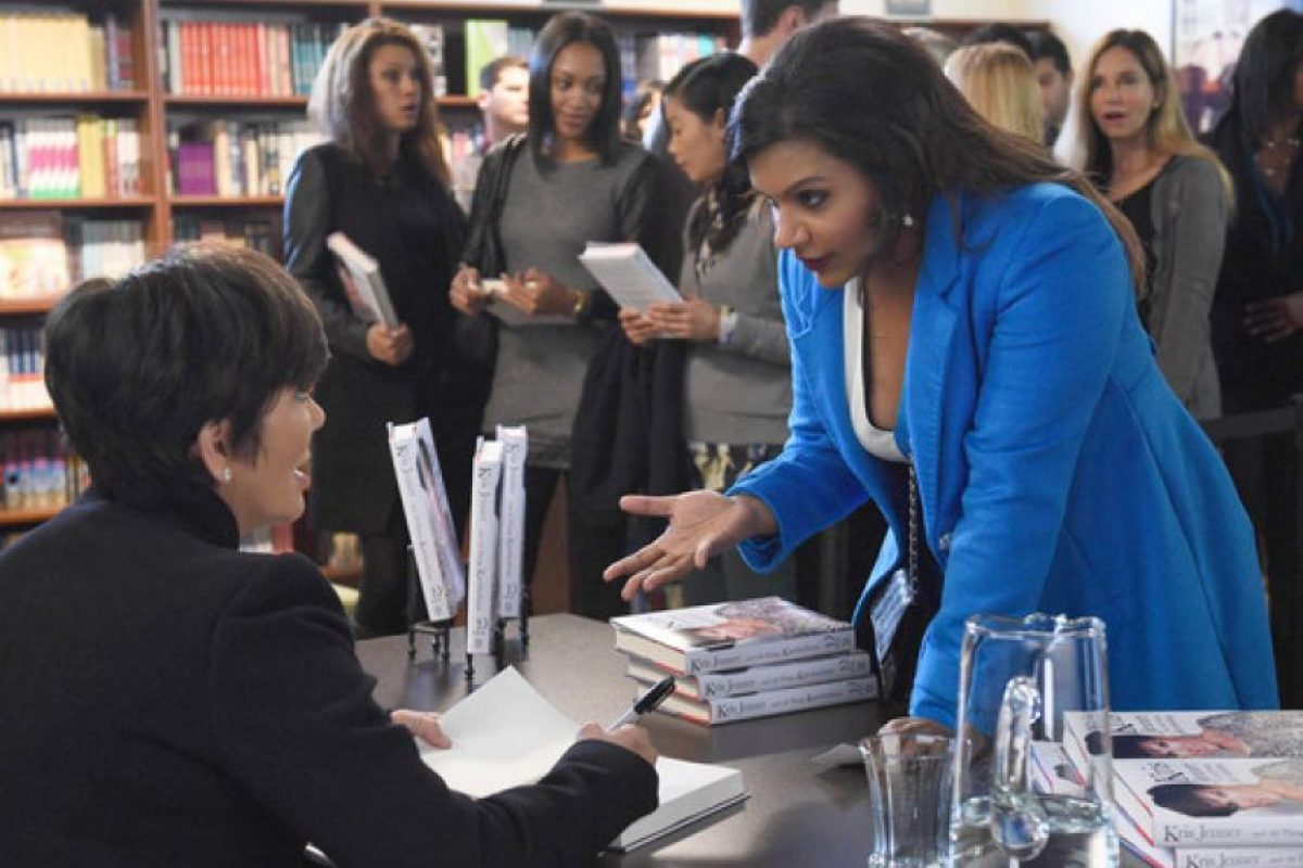 "Y su madre, Kris Jenner, fue una de las invitadas de la serie ""The Mindy Project"" Foto: FOX"