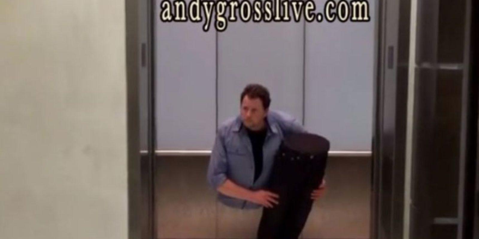 Él es el mago estadounidense Andy Gross Foto:Vía Youtube/ walkingtalltogether