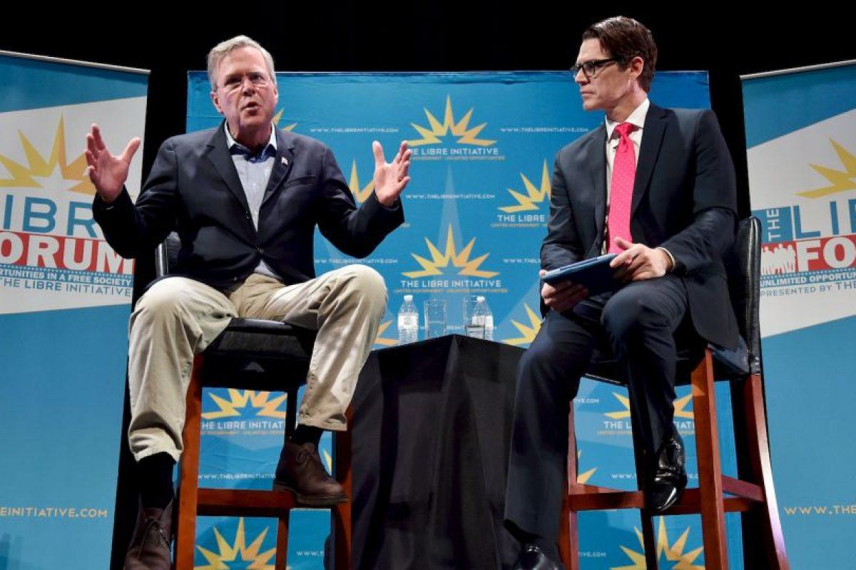 Jeb Bush confesó que su superhéroe favorito es Batman Foto:AFP