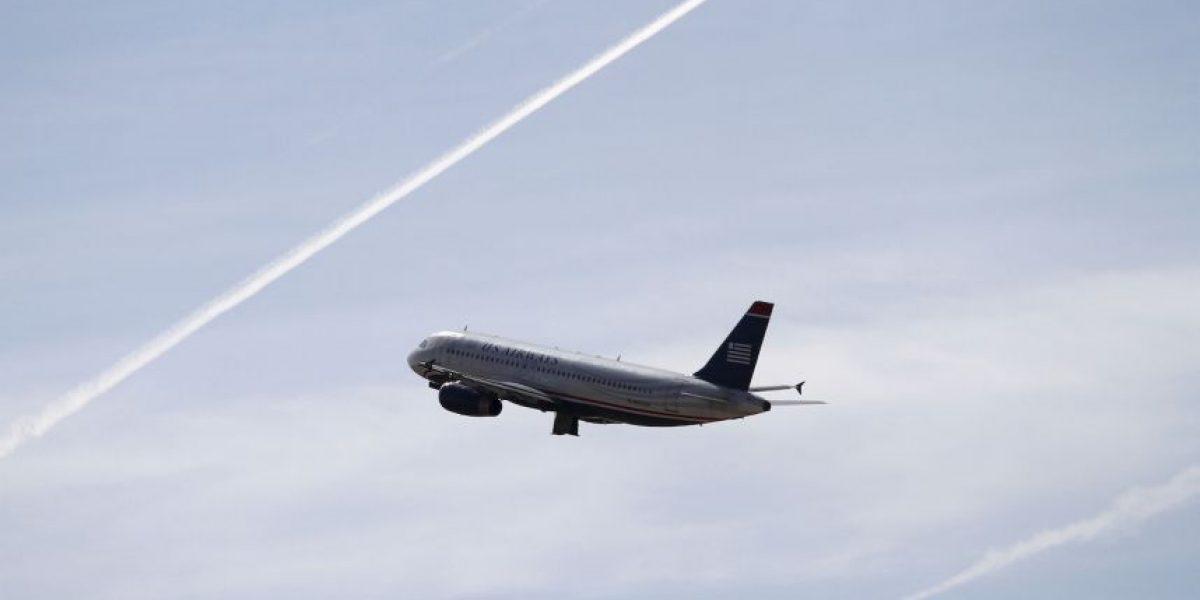 Hombre ebrio y desnudo provocó el aterrizaje forzoso del avión en el que viajaba