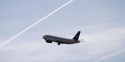 Algunas de las razones para no beber durante vuelos son: Foto:Getty Images