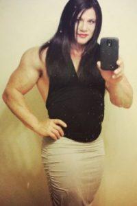 """Actualmente, a sus 42 años dice sentirse orgullosa con su nueva y """"verdadera yo"""". """"Conocí esta parte de mí a los cinco años y ha sido muy duro todo este tiempo. Incluso pensé en suicidarme. Ahora me siento perfectamente bien con esta apariencia"""", mencionó a través de su cuenta de Facebook e Instagram. Foto:Vía Instagram/@mattkroc"""